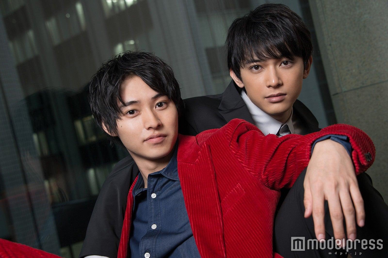 モデルプレスのインタビューに応じた(左から)山崎賢人、吉沢亮
