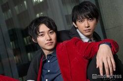 モデルプレスのインタビューに応じた(左から)山崎賢人、吉沢亮 (C)モデルプレス