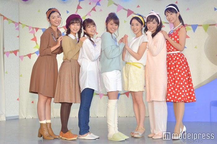 (左から)新美有加、堤礼実、竹内友佳、宮澤智、三上真奈、久慈暁子、海老原優香 (C)モデルプレス
