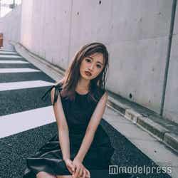中井りか/ワンピース:REDYAZEL/ブーツ:RANDA/リング:共にmasae/(C)モデルプレス