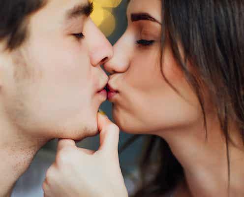深いキスと可愛いキスどっちが良い?男性が求める瞬間を解説!