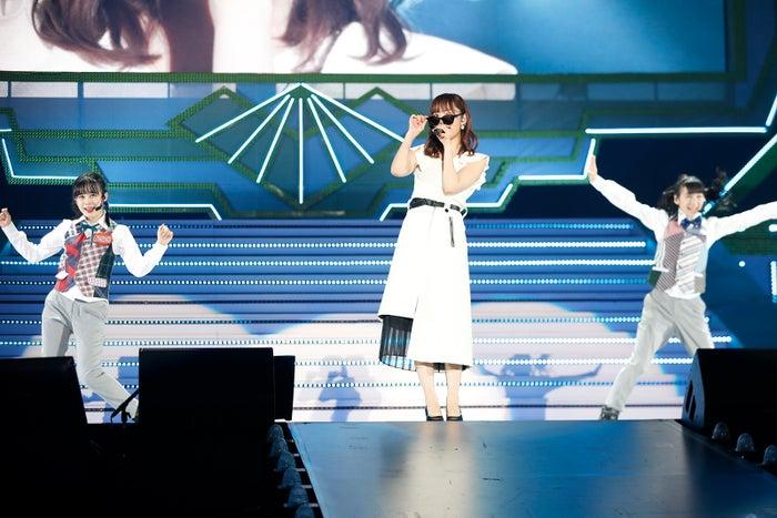 「指原莉乃11年ありがとう!大感謝祭」より(C)AKS