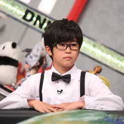 モデルプレス - 大人になった鈴木福がカッコイイ メガネ姿でキリッ