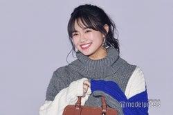 E-girls山口乃々華、笑顔炸裂 萌え袖が可愛すぎ<GirlsAward 2018 A/W>