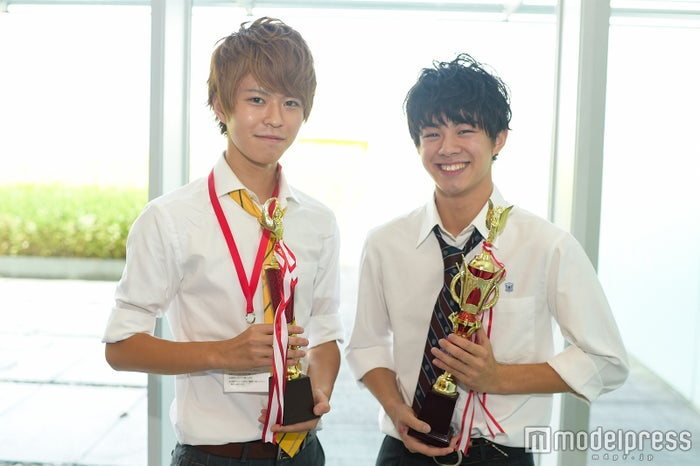 (左から)「高一ミスターコン」準グランプリ・林拓磨くん、グランプリ・宇佐卓真くん