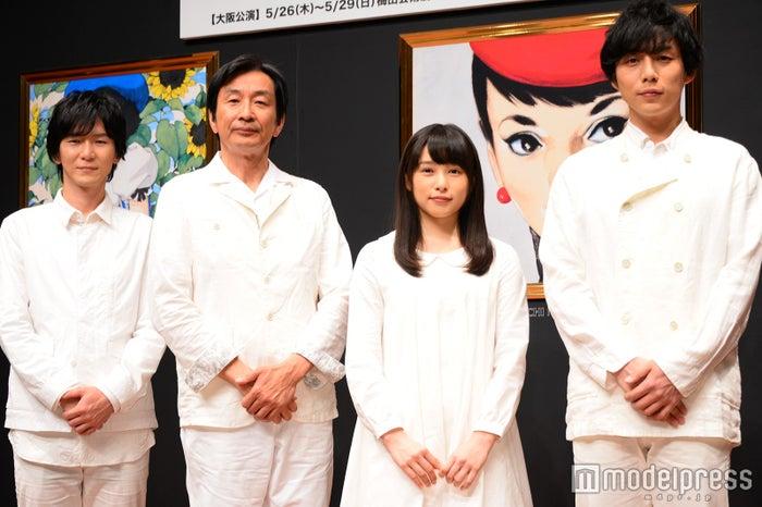 舞台「それいゆ」に出演する(左から)金井勇太、佐戸井けん太、桜井日奈子、施鐘泰(JONTE)/(C)モデルプレス