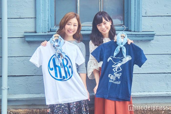 店舗限定のTシャツも可愛い/白:4,800円、紺:6,800円(税抜)(C)モデルプレス