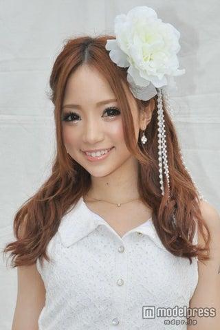「小悪魔ageha」モデル・八鍬里美、恋愛観&スタイルキープ法を語る モデルプレスインタビュー