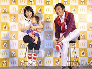 石田純一、久しぶりの靴下に「心が温まる」東尾理子、息子と3人でお揃い姿を披露
