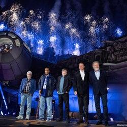 「スター・ウォーズ:ギャラクシーズ・エッジ」完成、セレモニーで実物大ミレニアム・ファルコン初お披露目