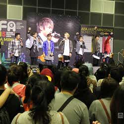「Anime Festival Asia Singapore in 2015 (AFASG15)」にてジュノン・スーパーボーイ・アナザーズライブの様子