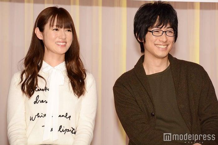 (左より)深田恭子、DEAN FUJIOKA(C)モデルプレス