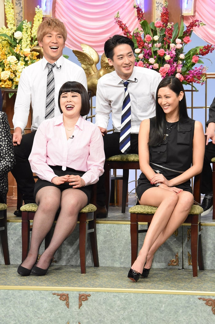 (前列左から)ブルゾンちえみ、菜々緒(後列左から)コージ、ダイキ (C)日本テレビ
