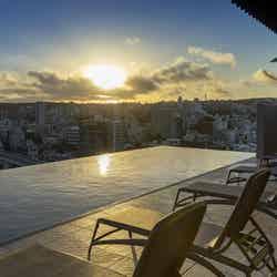 沖縄・那覇にプール付リゾートホテル「ヒューイットリゾート那覇」プールサイドバーも併設