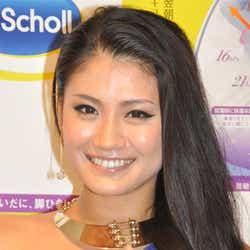 モデルプレス - 肉食系セクシー美脚披露!ミス・ユニバース日本代表が秘訣を伝授