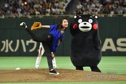 石原さとみ、三浦大輔氏直伝の2段モーション披露 5年連続始球式に登場