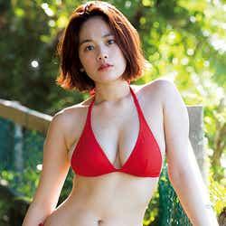 モデルプレス - 筧美和子、たわわな美バスト際立つビキニで悩殺