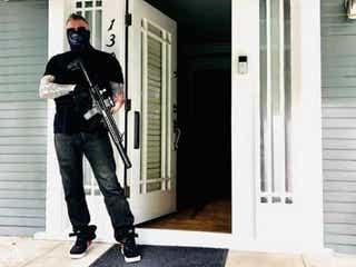 衝撃...ライフルを手に脅した『LAW & ORDER』新作スタッフが解雇される