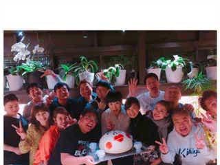 """和田アキ子バースデーが今年も凄い くみっきー・小島瑠璃子・あびる優ら""""ファミリー""""集結で動画も公開"""