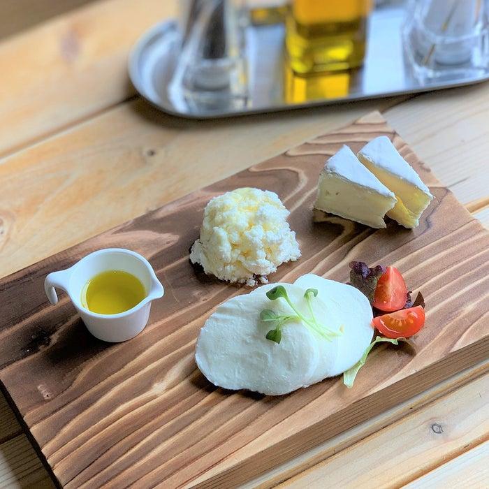 うしづまチーズ工場 ジャージー牛100%チーズ3種盛り/画像提供:ロッキング・オン・ジャパン