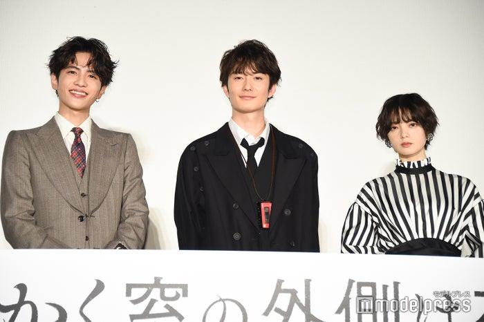 志尊淳、岡田将生、平手友梨奈(C)モデルプレス