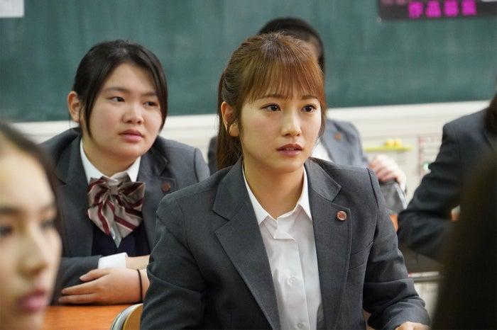 川栄李奈/「3年A組 ―今から皆さんは、人質です―」第1話より(C)日本テレビ