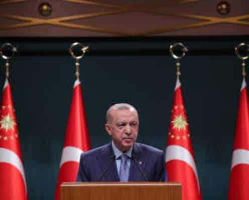 トルコ大統領が10カ国の大使追放見送り、人権問題巡る西側との外交危機回避
