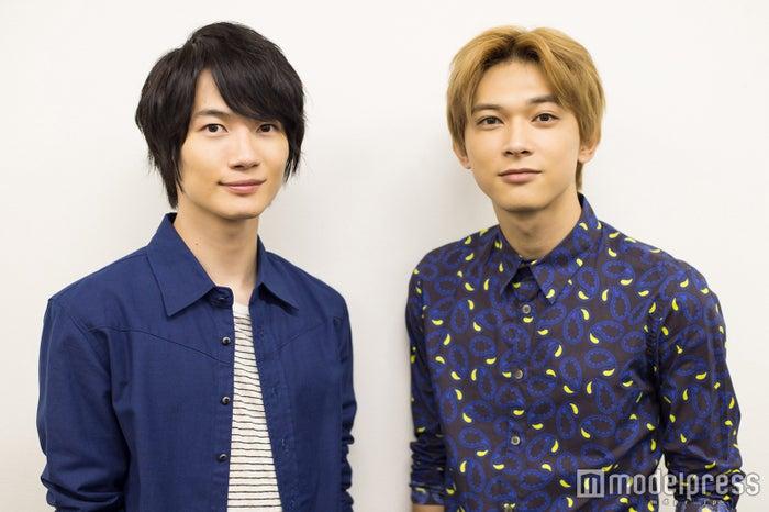 モデルプレスのインタビューに応じた神木隆之介、吉沢亮(C)モデルプレス