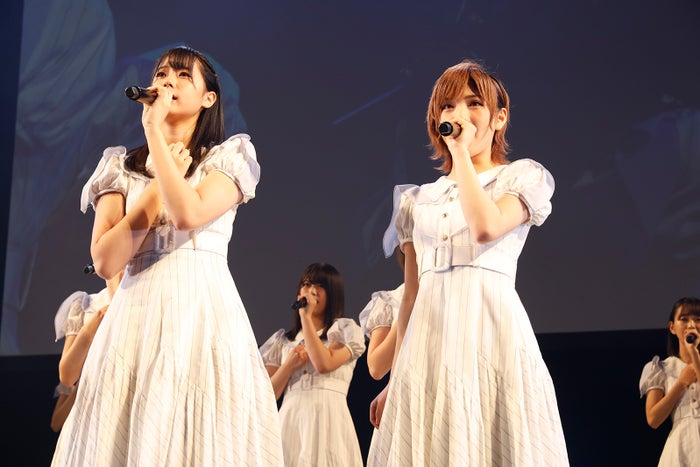 瀧野由美子、岡田奈々「STU48 第2期生オーディション最終審査~少女の夢の扉を開けるのはアナタだ!~」の様子(C)STU