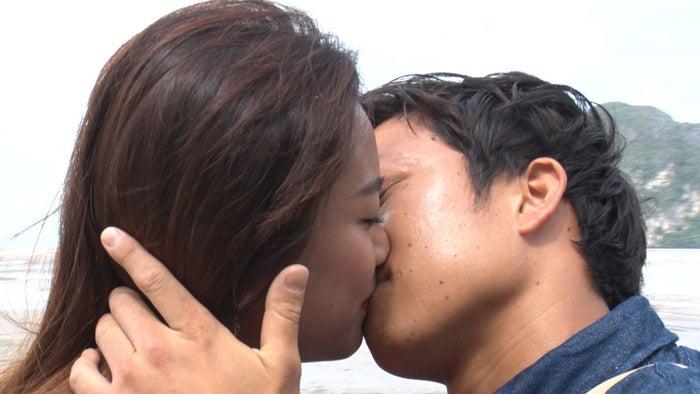 アスカ、裕ちゃん/「あいのり:Asian Journey」第17話より(C)フジテレビ
