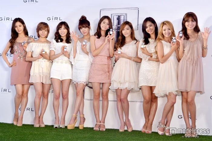 オリコン3部門を同時制覇した少女時代(左から:ソヒョン、サニー、テヨン、ティファニー、ユナ、ジェシカ、ユリ、ヒョヨン、スヨン)