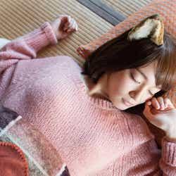 モデルプレス - 吉岡里帆、無防備な寝顔にキュン 人気キャラが写真集に