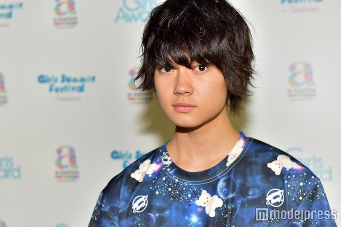 モデルプレスのインタビューに応じてくれた佐野勇斗くん(C)モデルプレス