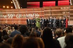 「第59回グラミー賞授賞式」より(写真:Getty Images)