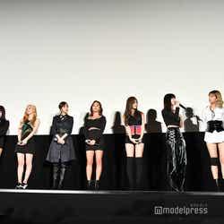 TWICE/左から:ツウィ、チェヨン、ダヒョン、ミナ、ジヒョ、サナ、モモ、ジョンヨン、ナヨン(C)モデルプレス