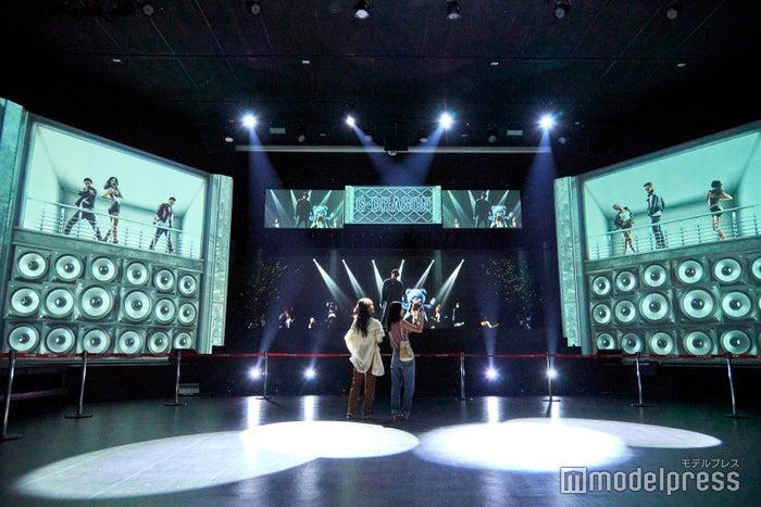 最先端技術の凄さに驚きっぱなし!G-DRAGON(BIGBANG)のホログラムコンサート(C)モデルプレス