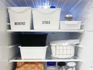 ダイソーで揃える!冷蔵庫をスッキリさせるおしゃれな収納術