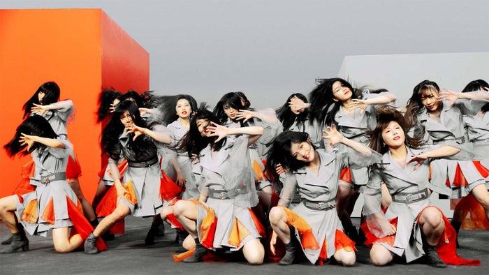AKB48「NO WAY MAN」MVより(C)AKS/キングレコード