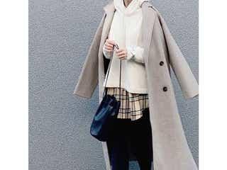 最旬パーカーは「ボリュームシルエット&丈は短め」!大人がスタイルよく着こなすコツは?