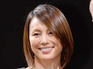 米倉涼子、美脚&スタイル披露 ものまねトークも炸裂