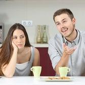 実はイラつかせているかも…女性が思う【夫のありがた迷惑な行動】4つ<日常編>