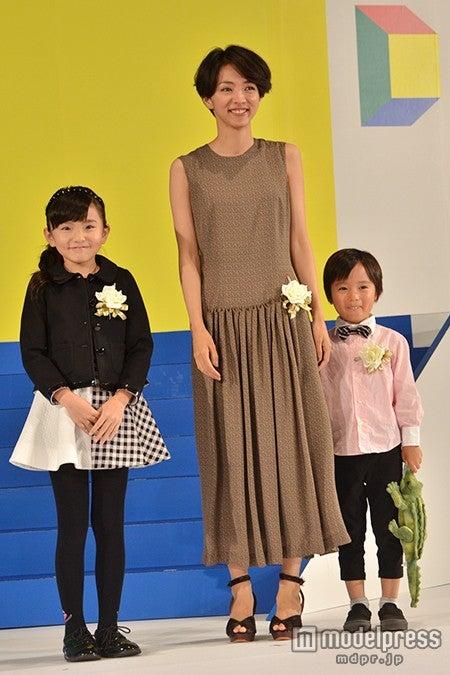 ドラマ「Woman」で、家族を演じた3人/鈴木梨央、満島ひかり、高橋來(左から)
