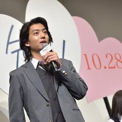 """健太郎の""""神対応""""に女子高生悶絶 広瀬すずも興奮<先生!>"""