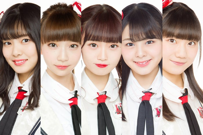 (左から)角ゆりあ、荻野由佳、中井りか、本間日陽、藤崎未夢(C)Flora