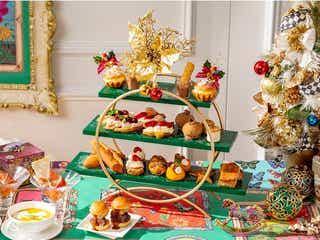 ヒルトン東京、パン好きに贈るクリスマスアフタヌーンティー 苺サンドやチュロスなど13種