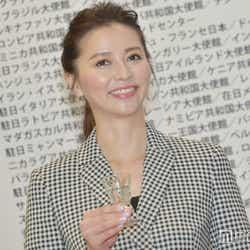 モデルプレス - 香里奈「アートフェア東京2017」開幕彩る TGCとのコラボにも注目集まる