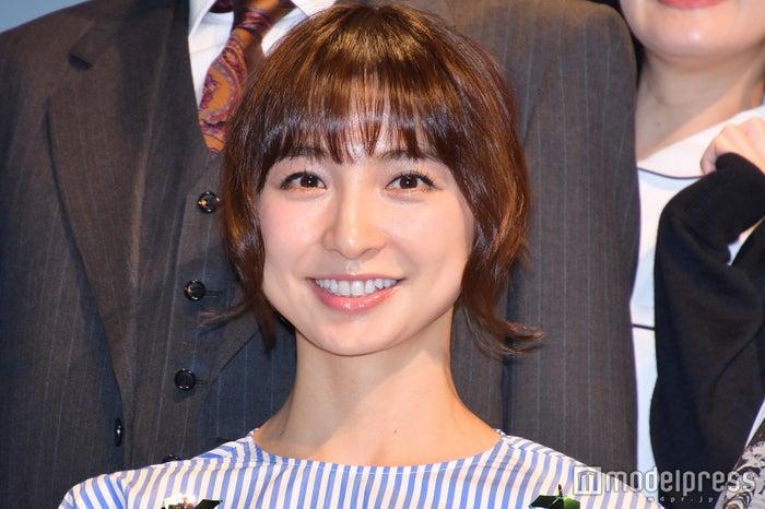 「笑う巨塔」製作発表に出席した篠田麻里子 (C)モデルプレス