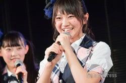 コンサート中に落下のAKB48稲垣香織、劇場公演に笑顔で復帰