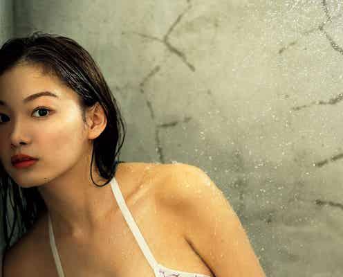 吉澤遥奈、びしょ濡れ姿で美バスト披露