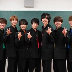 なにわ男子(左から)大橋和也、高橋恭平、大西流星、西畑大吾、道枝駿佑、長尾謙杜、藤原丈一郎(C)ABCテレビ